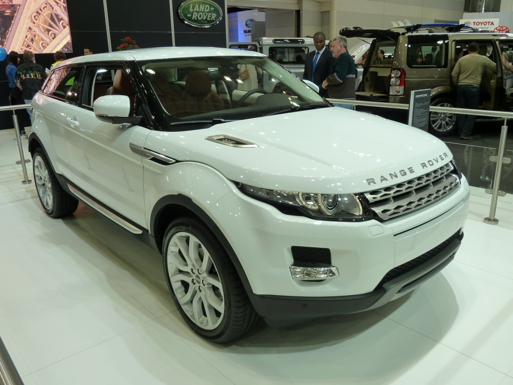 Range_Rover_Evoque_3-door_wagon,_prototype_(2010-10-16)_02