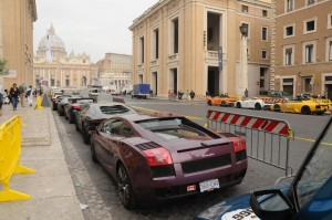 350 Lamborghinis, representing nearly every model produced, took part in 2013 Grande Giro in Italy.