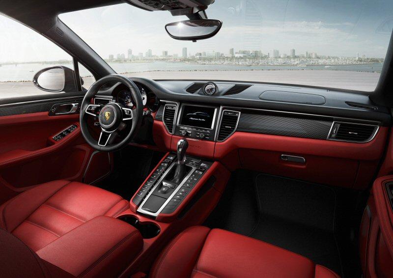 2014 Porsche Macan Turbo interior.