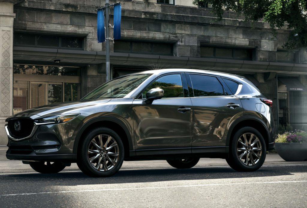 Mazda-2019 CX-5-Signature-01