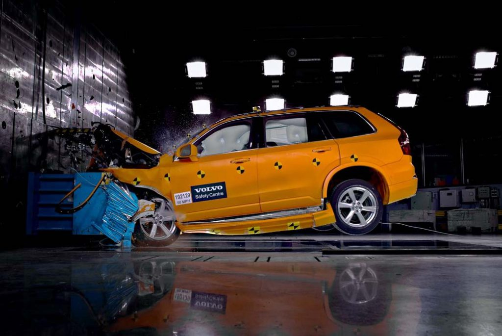 Volvo XC90 tests a frontal crash. Volvo Cars is for the first time making its safety knowledge easily accessible in a central digital library which it urges the car industry to use, in the interest of safer roads for all.