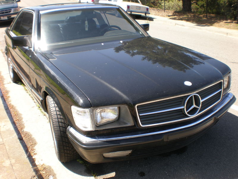 800px-1984_black_Mercedes_SEC_500_front