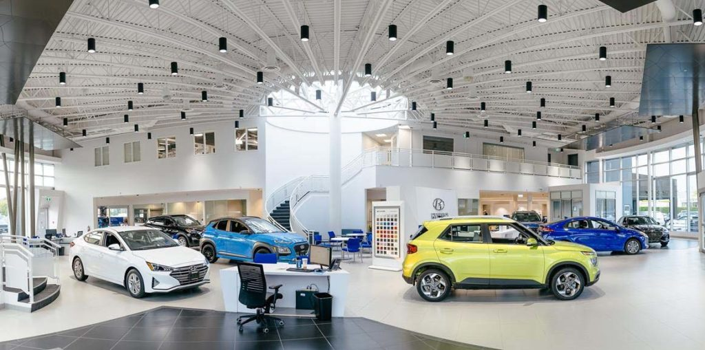 OpenRoad Hyundai Richmond's new 33,000 square feet facility is a spacious 11-vehicle showroom, which features a modern, sophisticated design with soaring floor-to-ceiling glass.